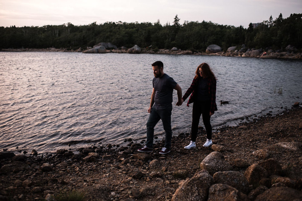 long-lake-provincial-park-engagement-photography-2.jpg