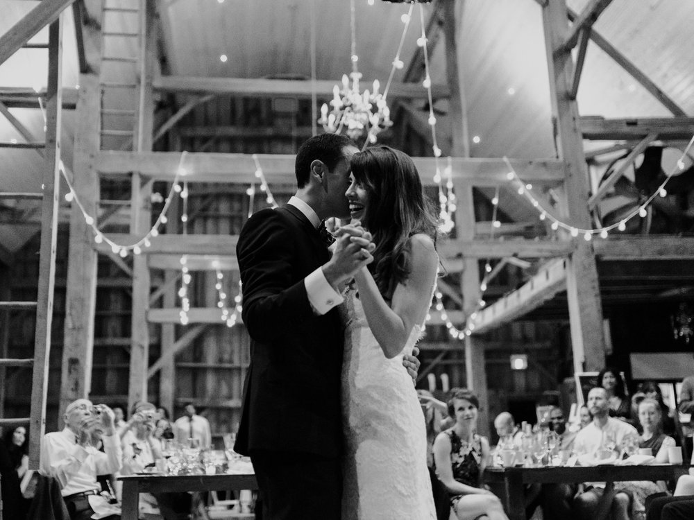 084-sydenham-ridge-estate-wedding-first-dance.jpg