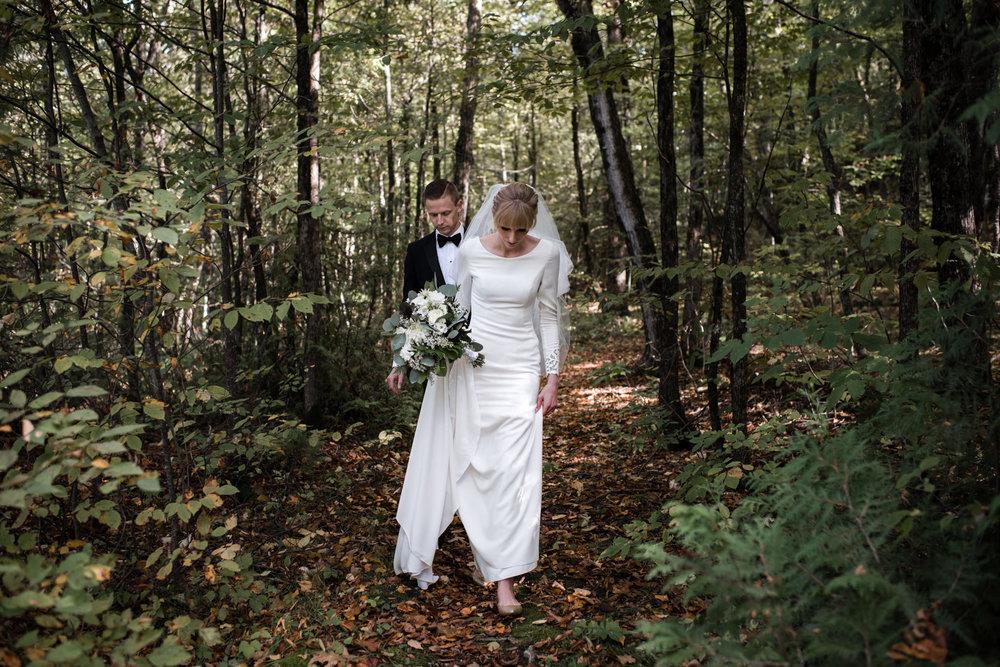 053-wedding-photos-in-forest-ontario-cottage-toronto.jpg