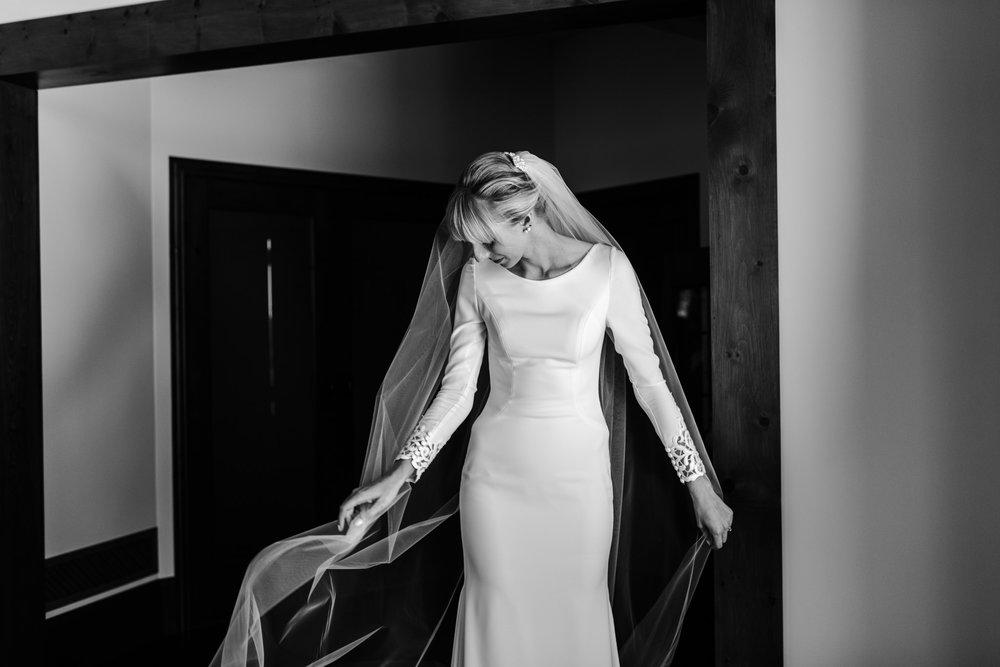 044-bride-getting-ready-toronto-wedding-photographer.jpg