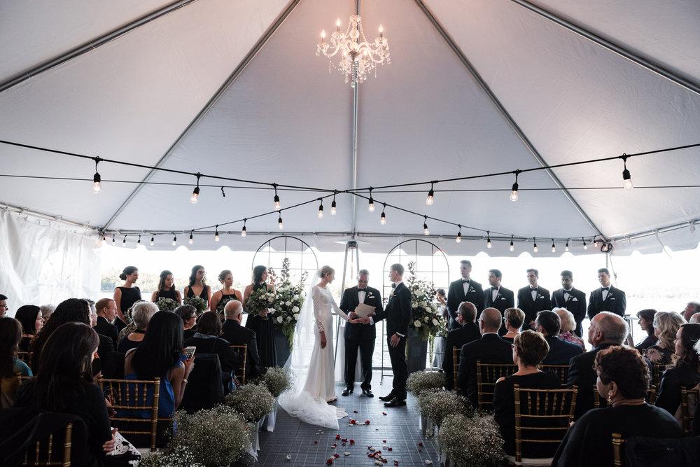 040-cottage-wedding-ceremony-toronto-photographer-lakeside.jpg