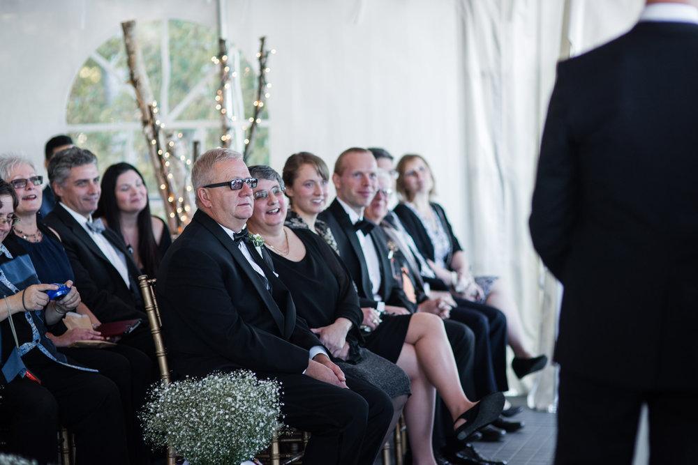038-cottage-wedding-ceremony-toronto-photographer-lakeside.jpg