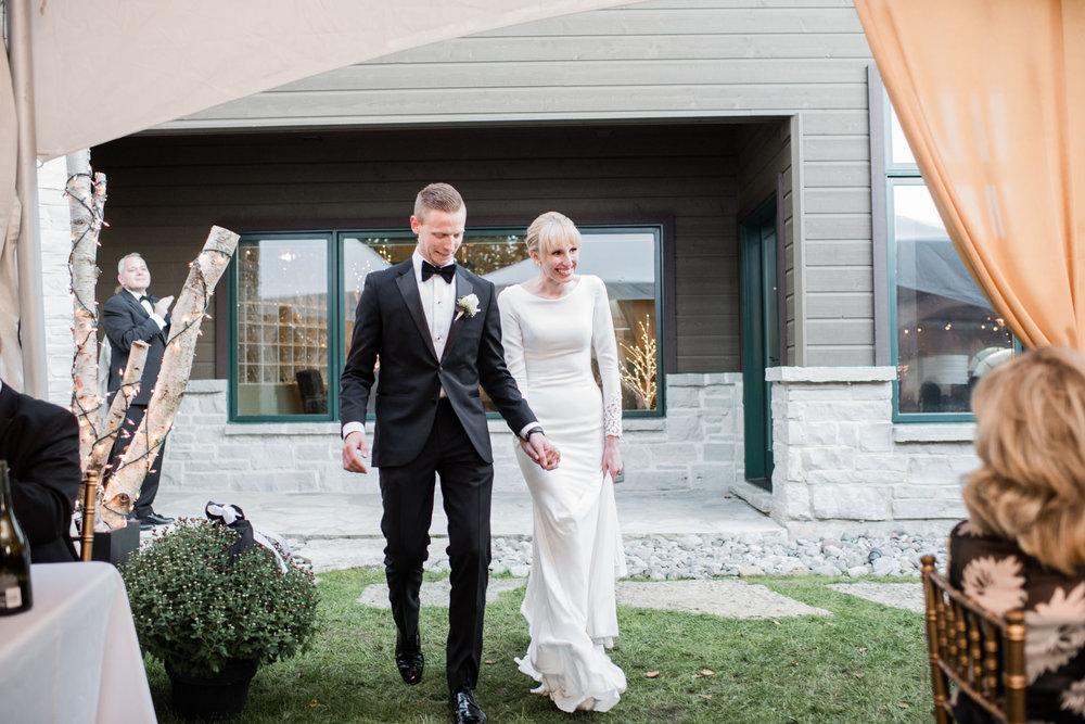 019-tent-wedding-photographer-toronto-ontario-cottage.jpg