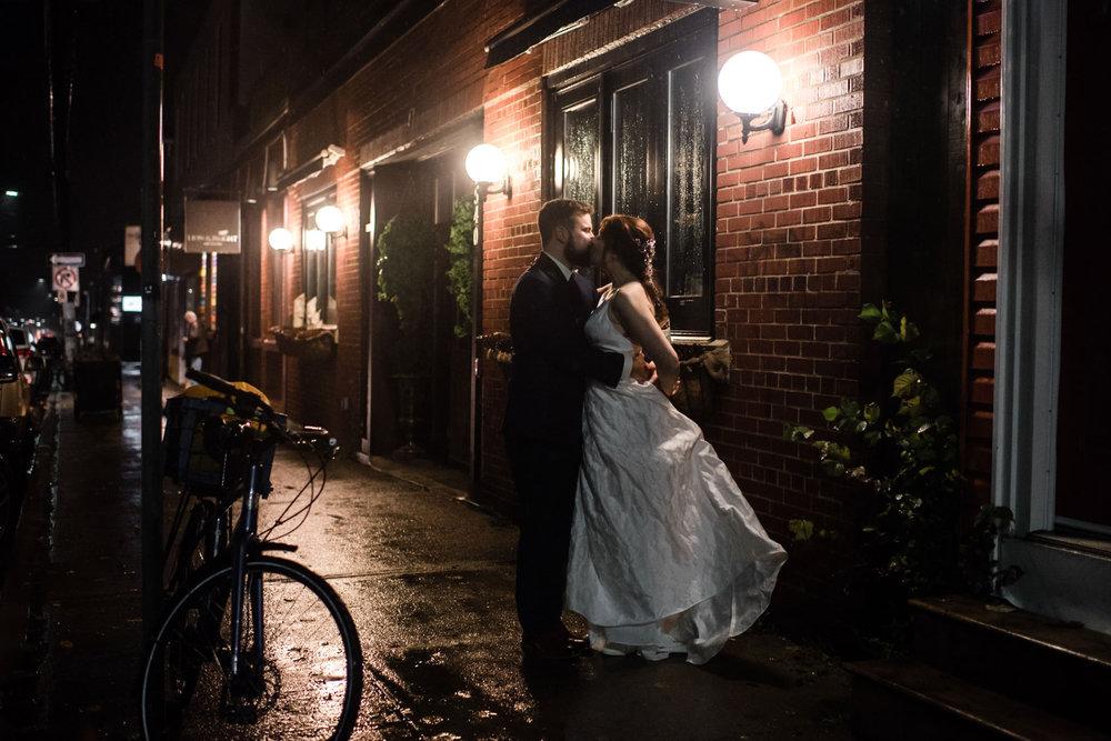 097-evening-wedding-low-light-toronto-wedding-photographer-restaurant.jpg