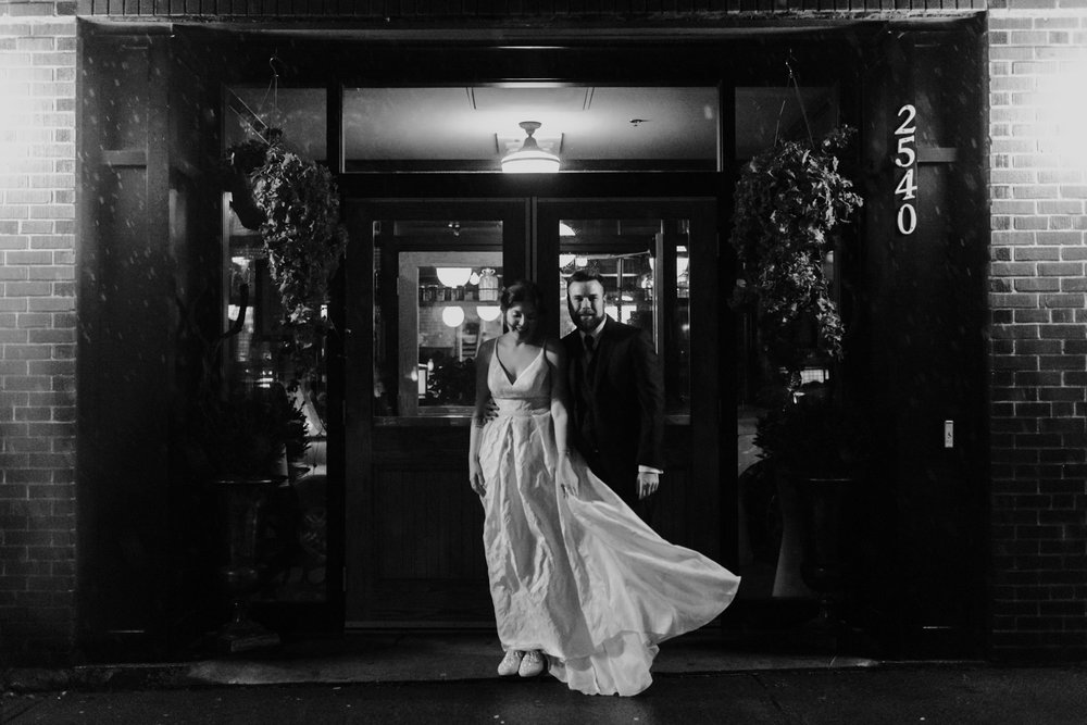 098-evening-wedding-low-light-toronto-wedding-photographer-restaurant.jpg