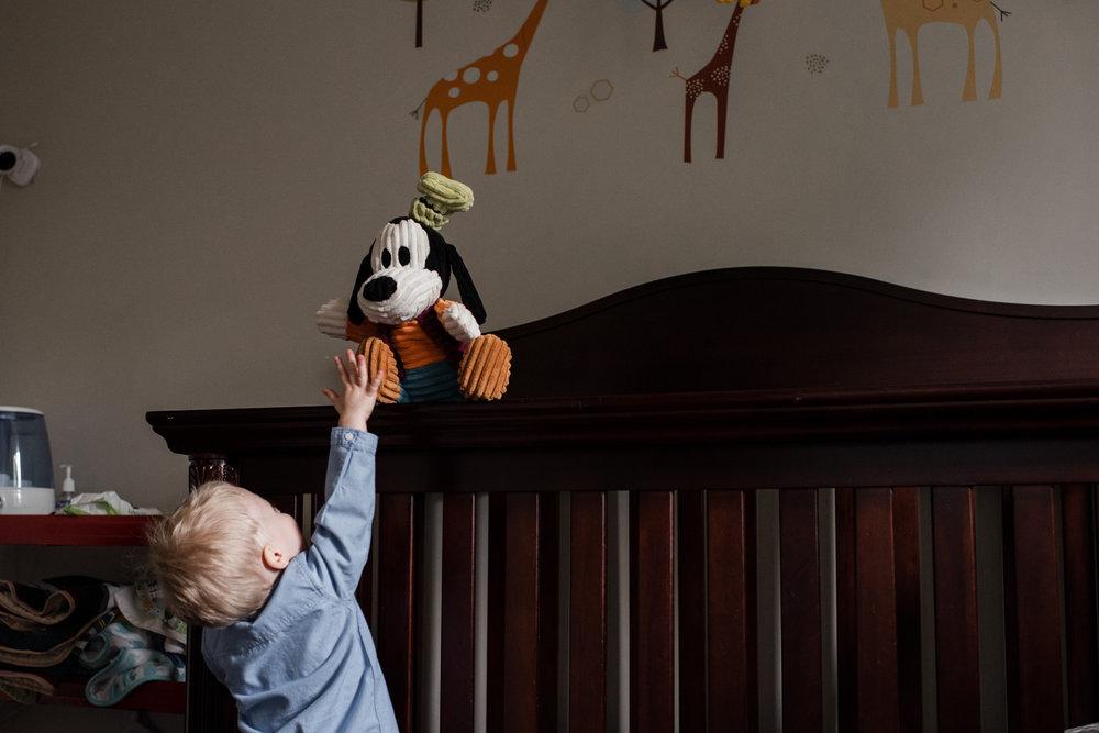 013-family-photographer-toronto-kingston-at-home-session.jpg