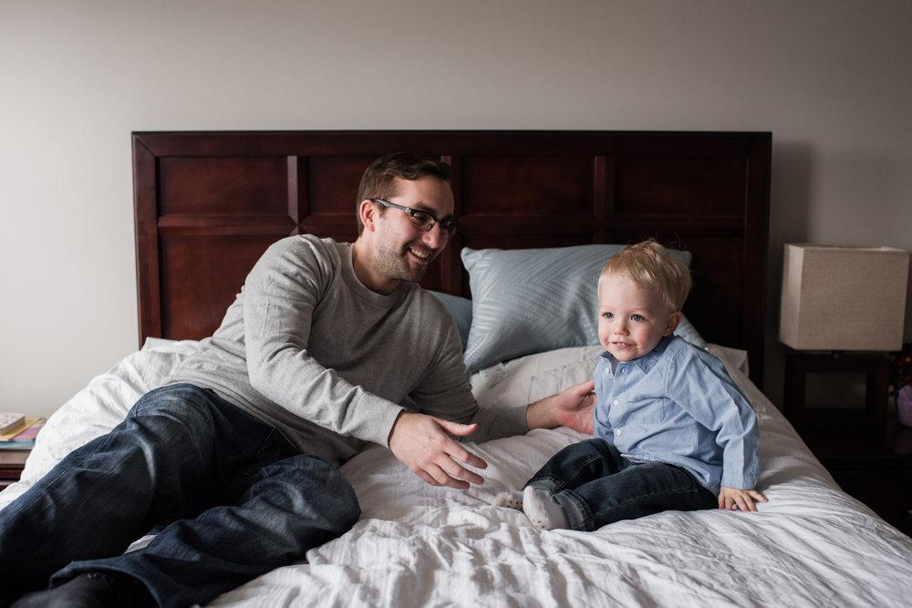 011-family-photographer-toronto-kingston-at-home-session.jpg