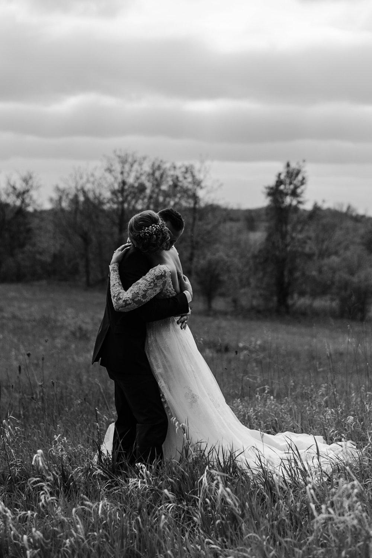 160-field-open-lace-romantic-wedding-dress-toronto.jpg