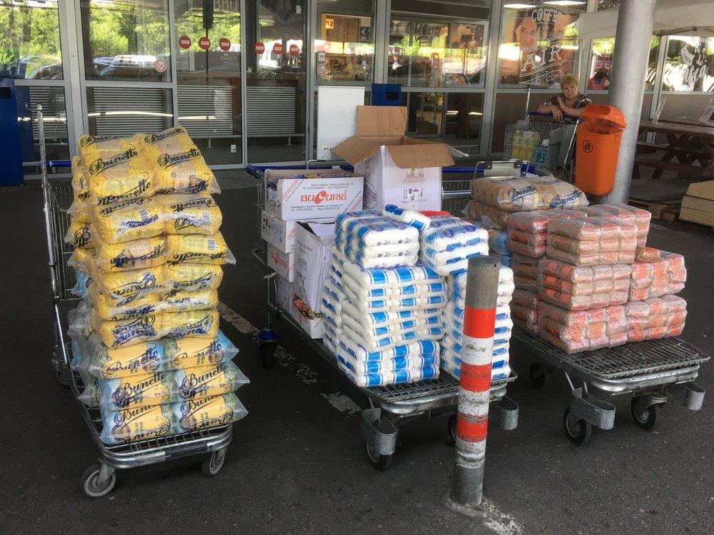 Alimentele care urmeaza a fi distribuite.JPG