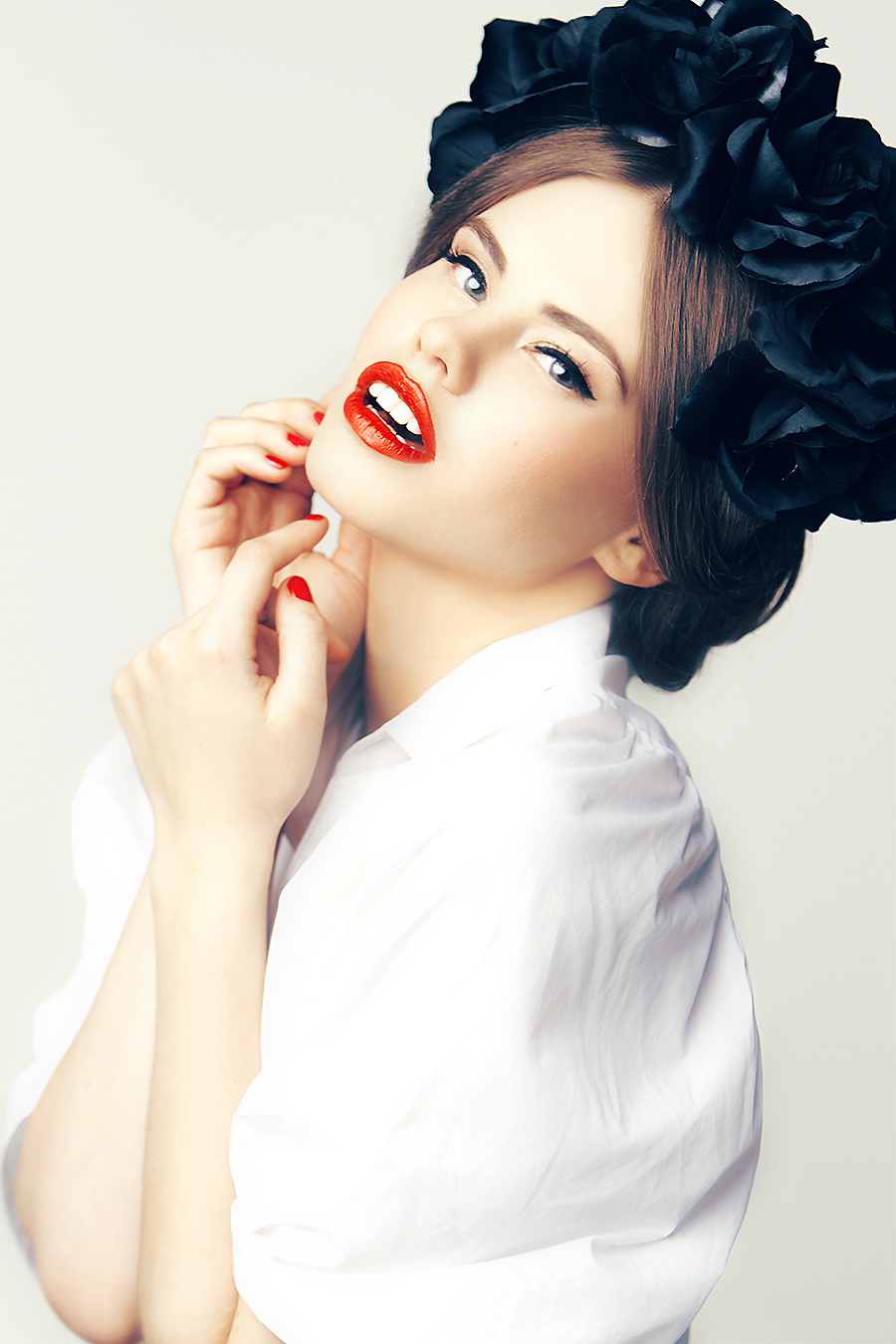 Editorial makeup and hair red lips southern california mua Agne Skaringa