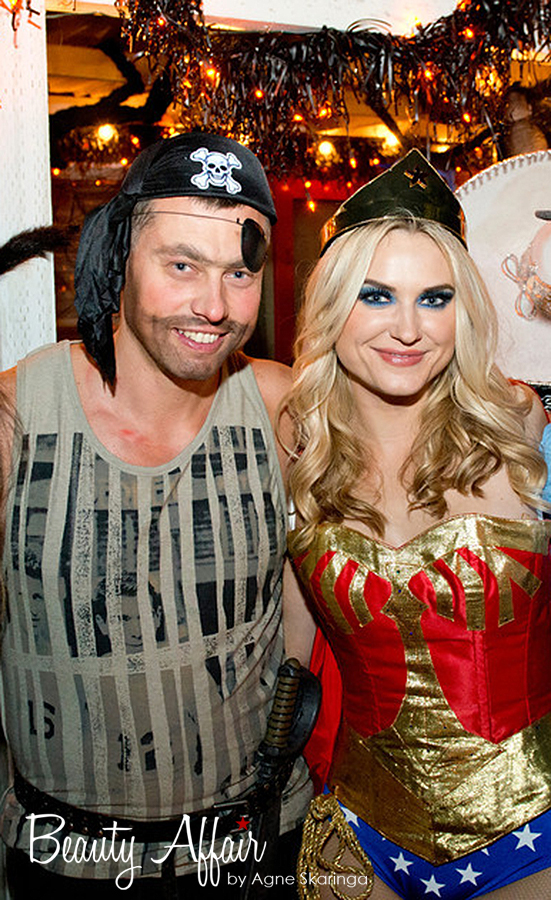 halloween makeup by Agne Skaringa Beauty Affair los angeles wonder woman pirate makeup sezy