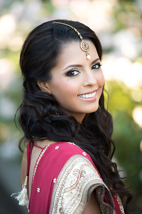indian bride makeup eyeshadows champagne by Agne Skaringa Beauty Affair the Big Affair photogrpahy portrait
