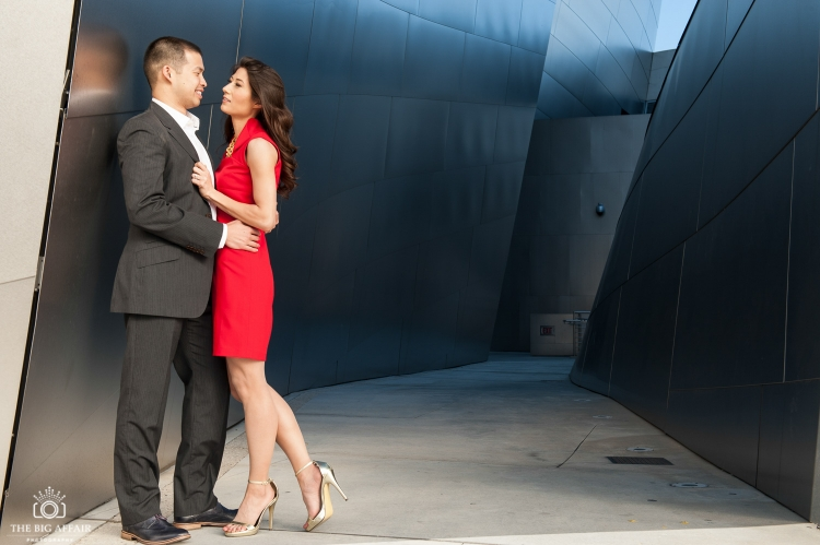 Erin-Bernd-Walt-Disney-Concert-Hall-Engagement-Photography-05pp_w750_h499.jpg