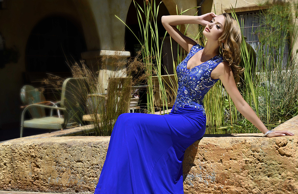 Beauty-Affair-makeup-and-hair-by-Agne-Skaringa-prom-gown-blue1.jpg