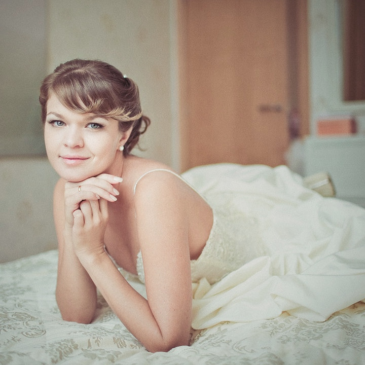 Bridal makeup and hair hair down bangs.jpg