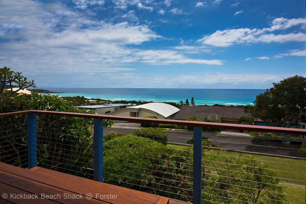 Forster-Accommodation-and-Pet-Friendly-Holiday-House-NSW-wave