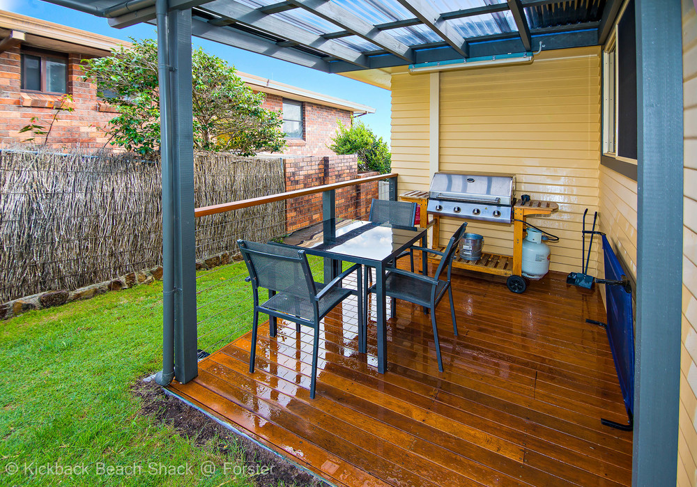 Forster-Accommodation-and-Pet-Friendly-Holiday-House-NSW-barbeque