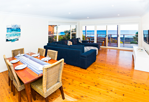 Forster-Accommodation-and-Pet-Friendly-Holiday-House-with-a-view-NSW