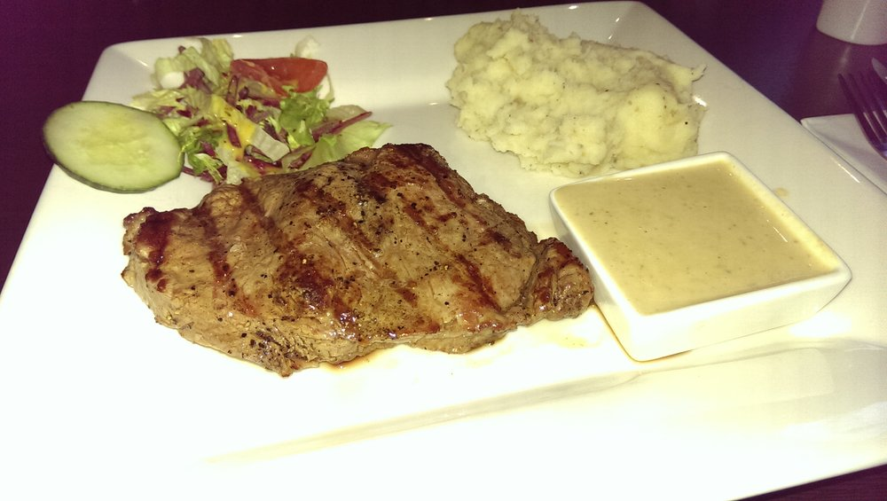 10oz Sirloin steak, gourmet mash and creamy garlic sauce. £15.95
