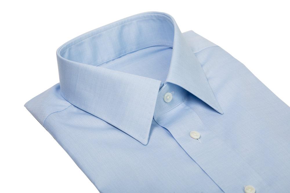 Hemd hellblau mit AMF Kante.jpg