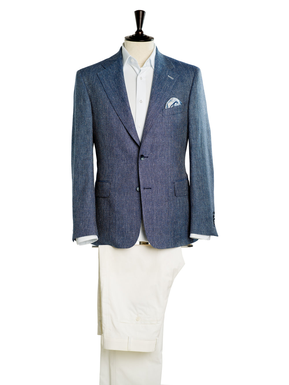 Marine Look blaues Sakko weiße Hose.jpg
