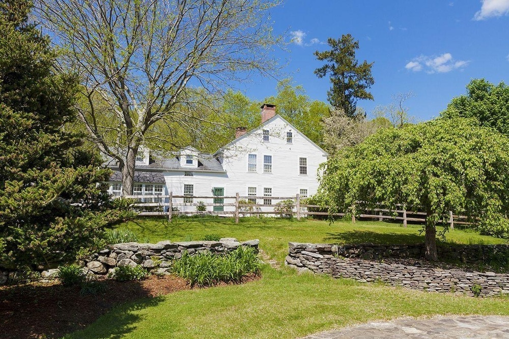 ReneeZellwegers-home-in-Connecticut-For-Sale.jpg