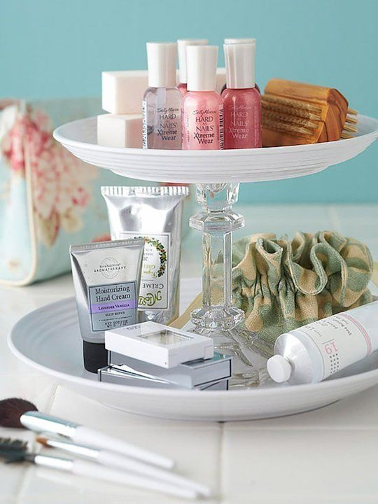 Bedside table routine.    (Photo: homedit)