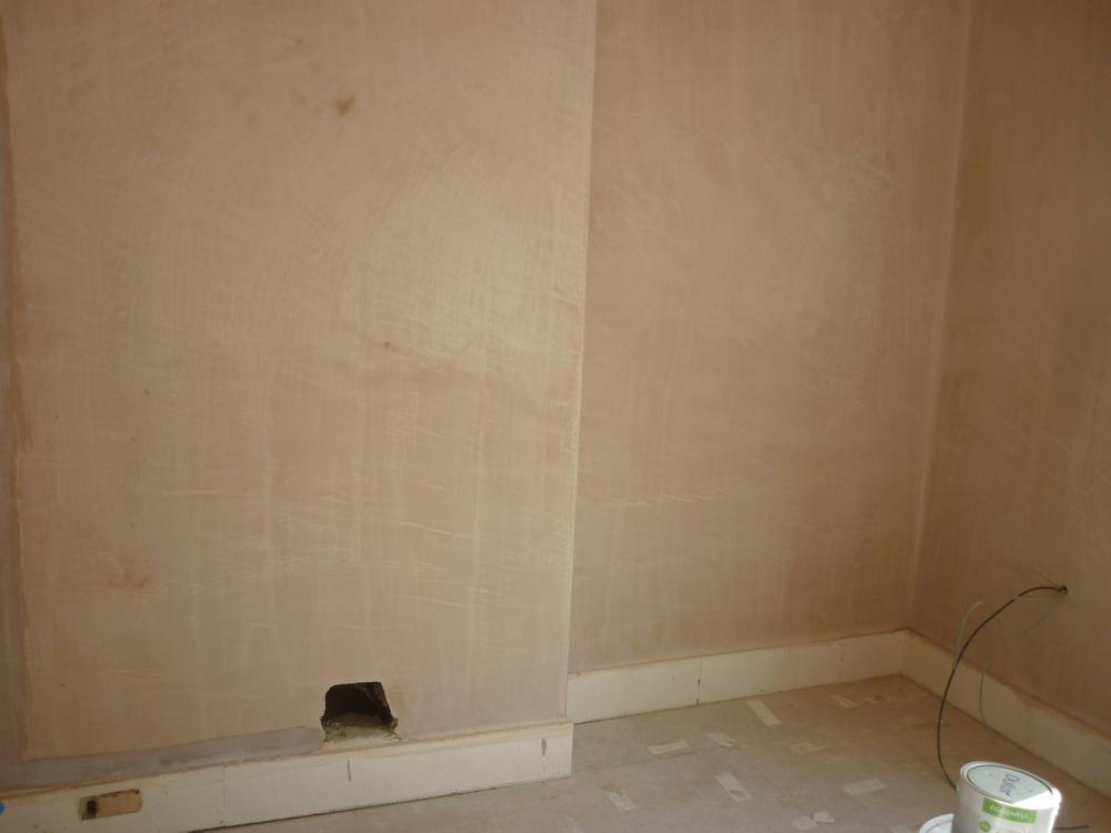plaster-bedroom.JPG