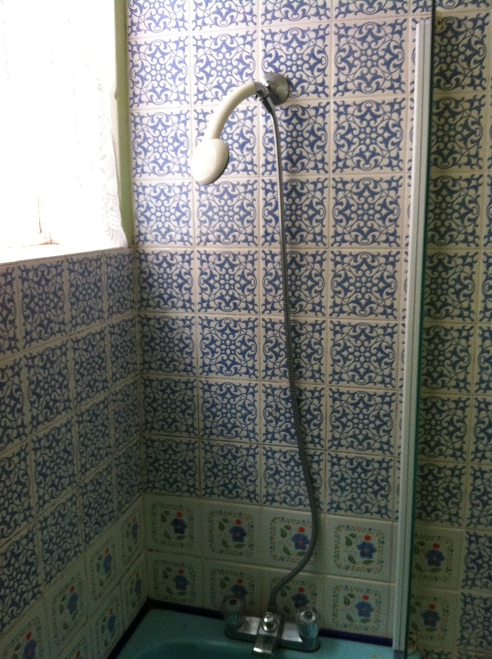 old-shower.JPG