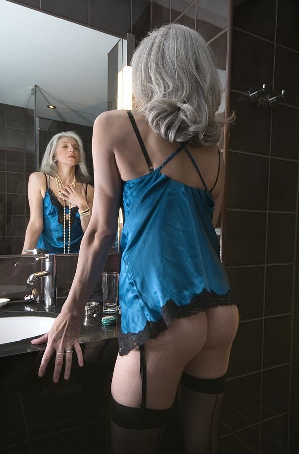 alex bruni nude pictures