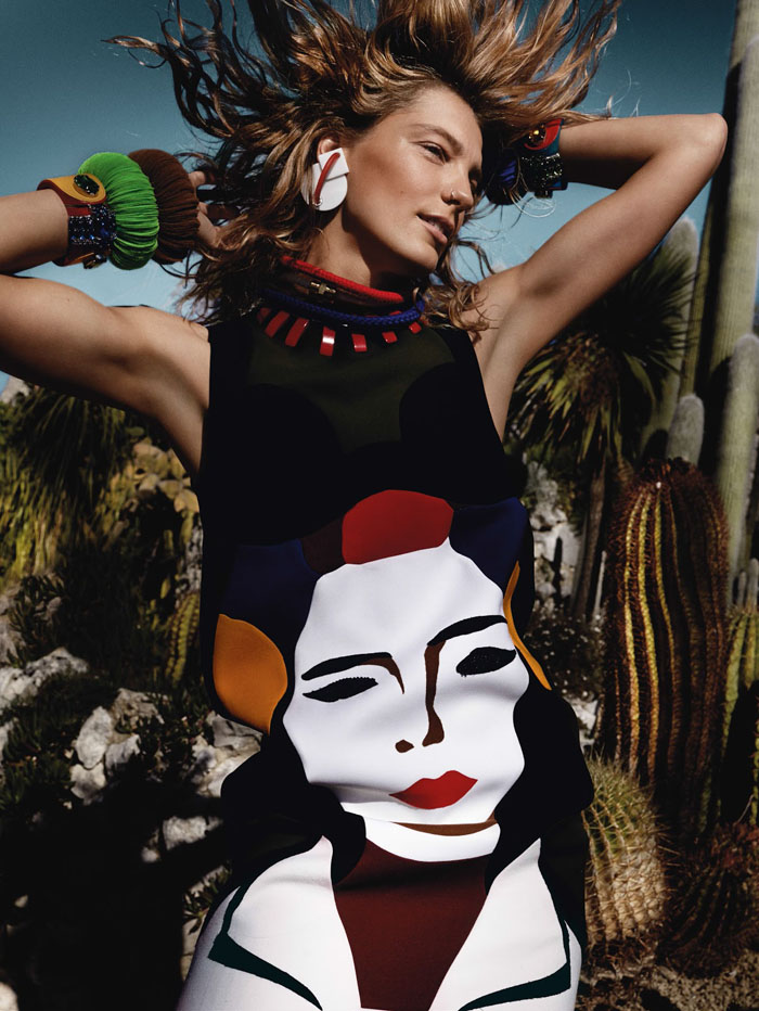Daria-werbowy-mario-testino-vogue-uk-march-14-05.jpg