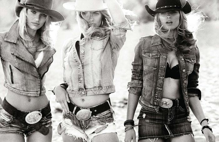 mario-testino-3-cowgirls-vogue-germany-march-04.jpg