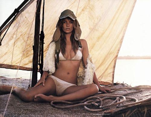 Kate-Moss-mert-marcus-vogue-uk-june-200209.jpg