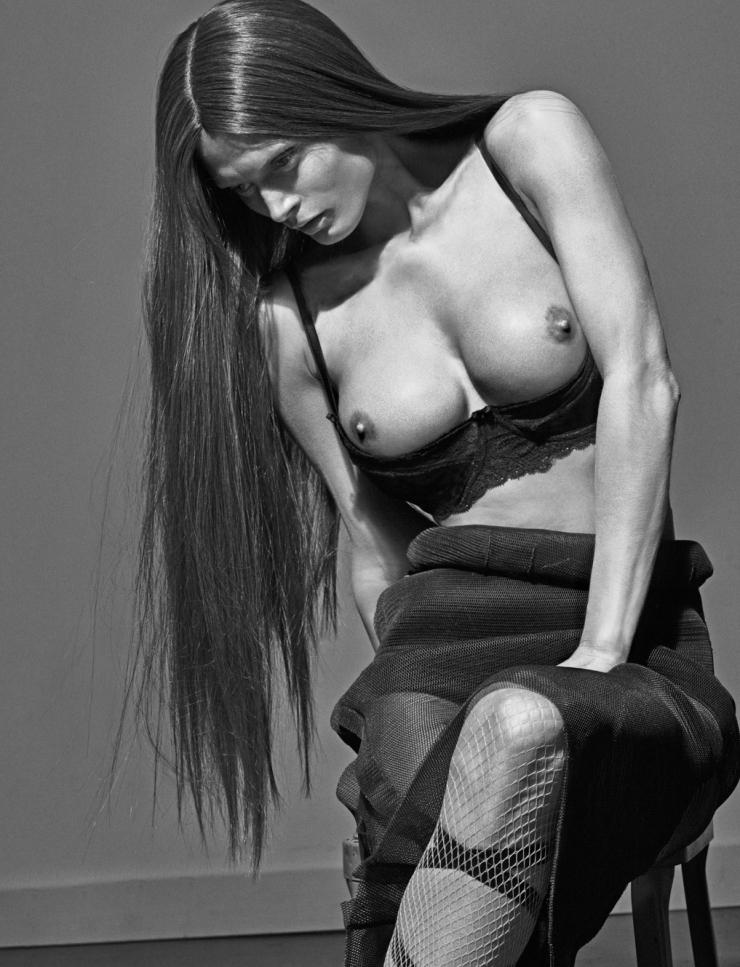 Copy of kendall-jenner-malgosia-bela-caroline-trentini-lexi-boling-trevor-van-uden-by-steven-klein-for-love-magazine-12-spring-summer-2015-7.jpg