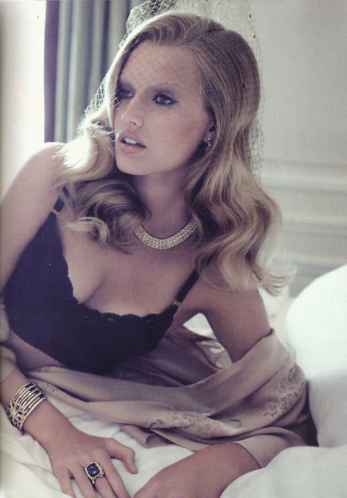 toni-garrn-lubomirski-vogue-spain-0ct-2011-9-21-11-12.jpg