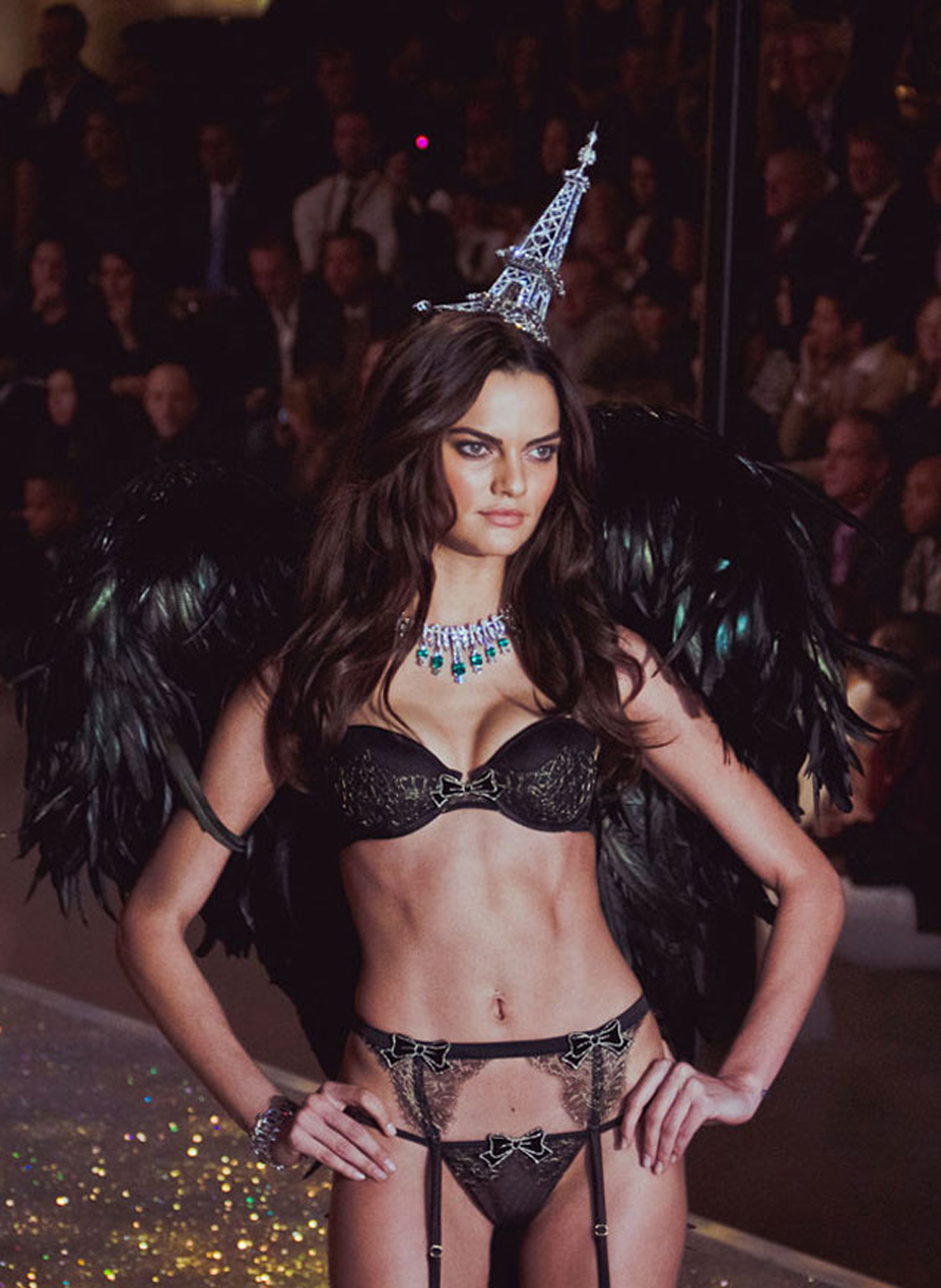 Victoria's Secret Fashion Show 2013-1: Corset Of A $6.5 Billion ...