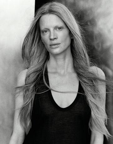 models-without-makeup-kristen-mcmenamy-0909-de-1.jpg