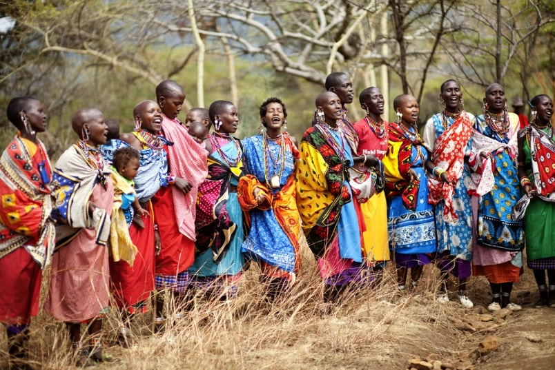 masai-women-in-color-3-8-11.jpg