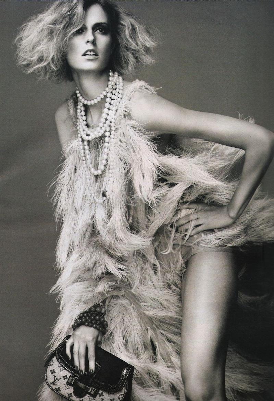 Dakota Blue Richards (born 1994) picture