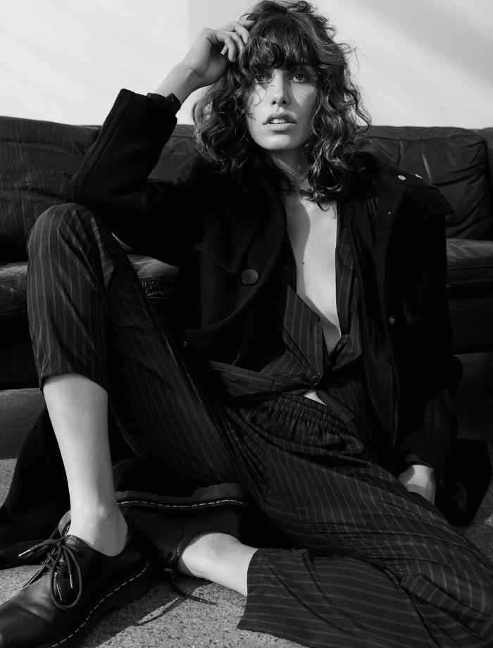 Lorelle Rayner Nude Photos 23