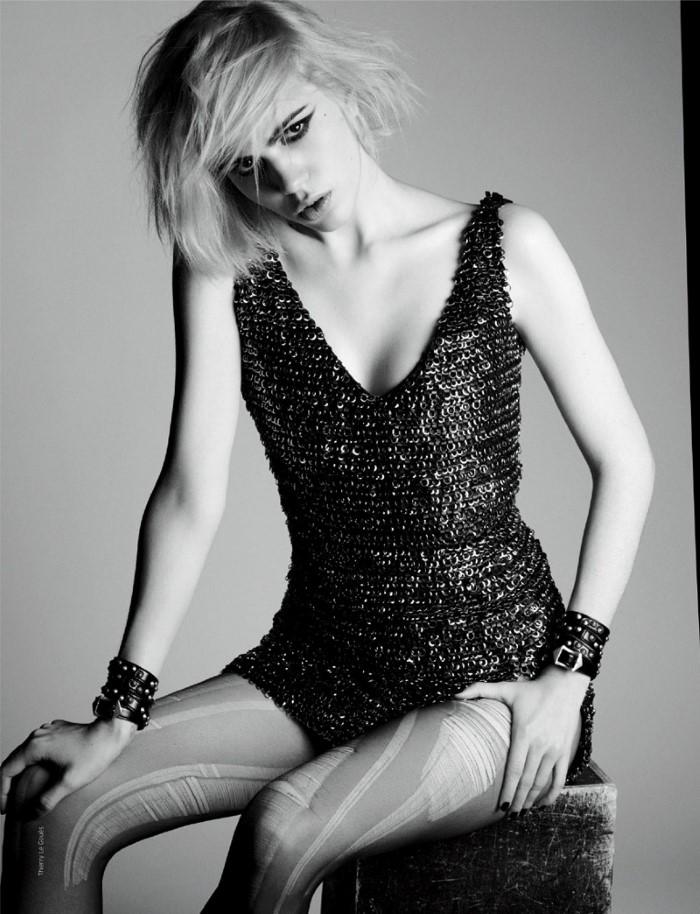 Julia-Cumming-French-Revue-de-Modes-Fall-Winter-2015-Editorial04.jpg