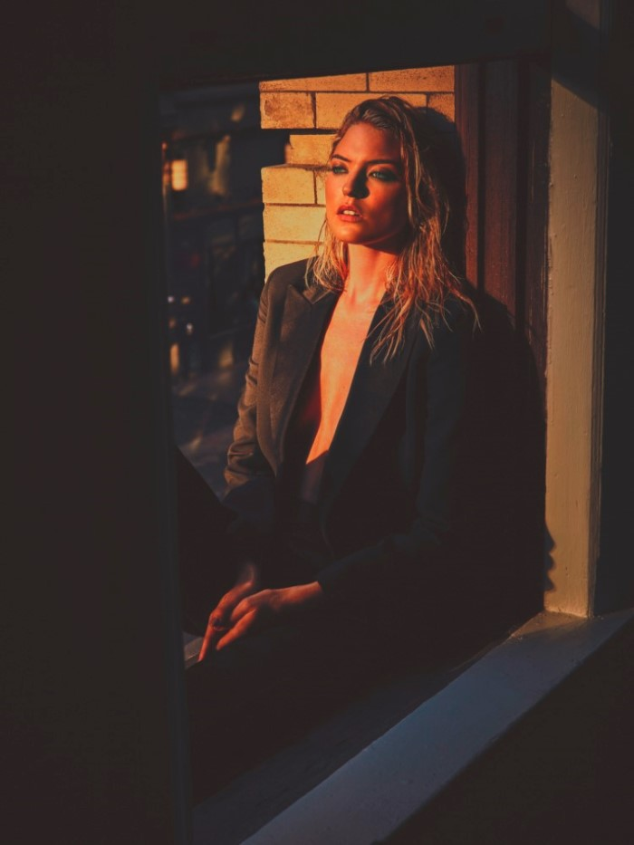 martha-hunt-by-guy-aroch-for-so-it-goes-magazine-fall-winter-2015-6.jpg