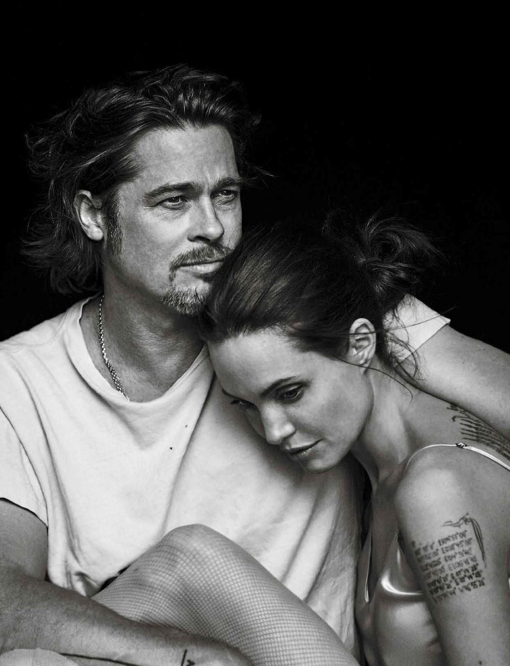 Vanity-Fair-Italia-November-2015-Angelina-Jolie-and-Brad-Pitt-by-Peter-Lindbergh-00.jpg