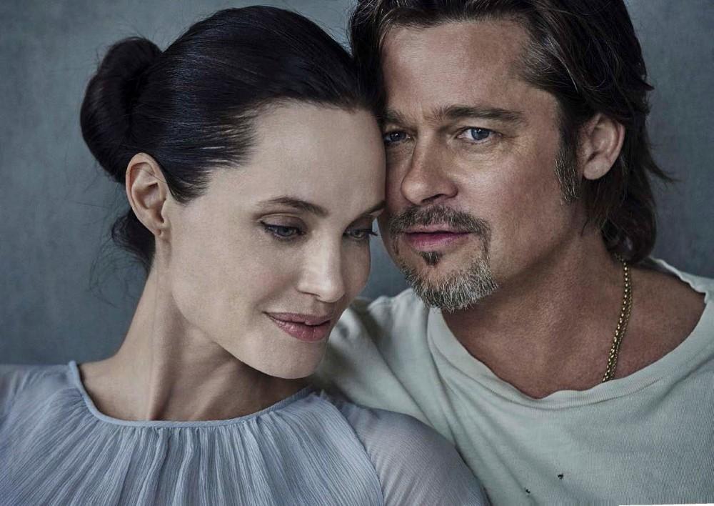 Vanity-Fair-Italia-November-2015-Angelina-Jolie-and-Brad-Pitt-by-Peter-Lindbergh-05.jpg