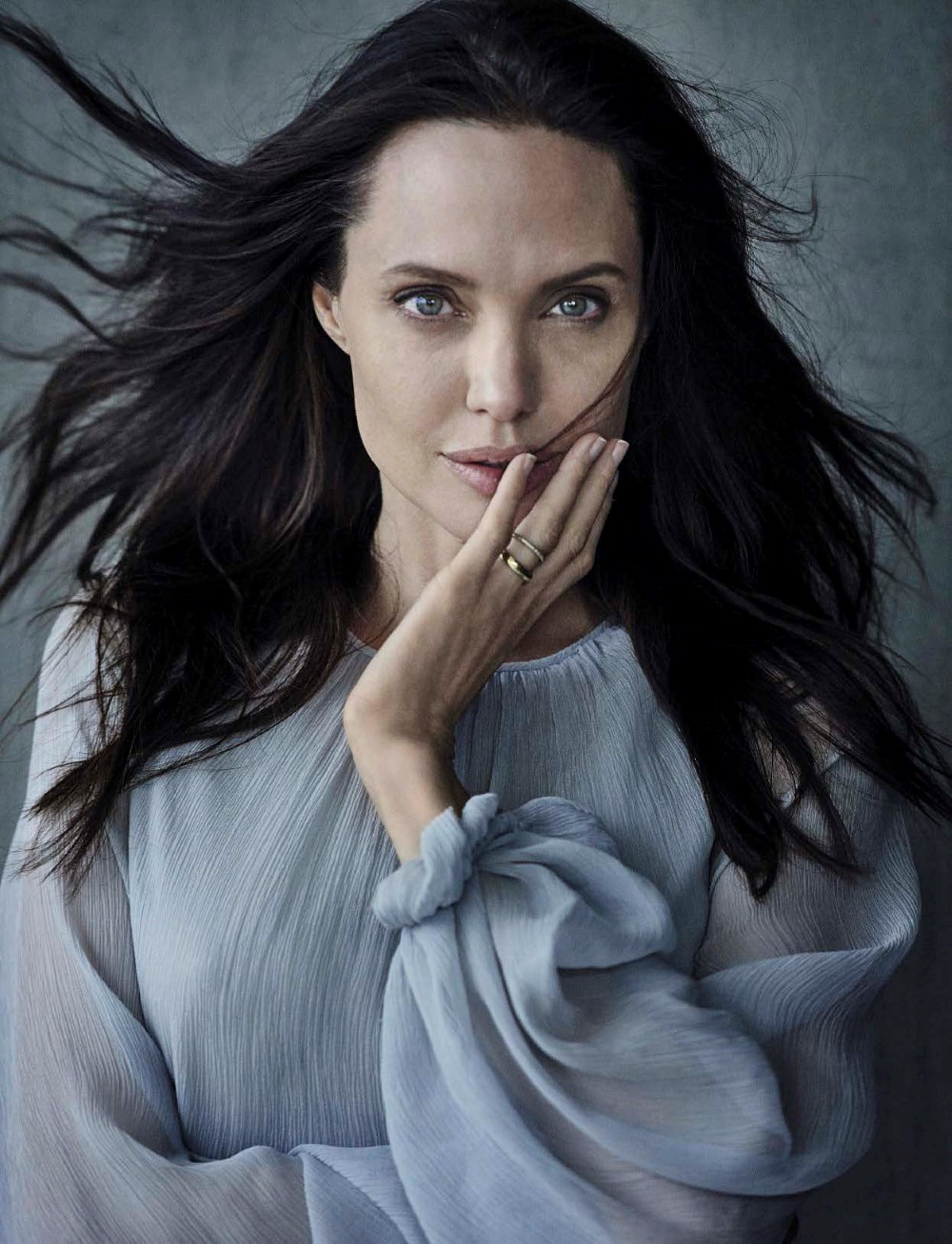 Vanity-Fair-Italia-November-2015-Angelina-Jolie-and-Brad-Pitt-by-Peter-Lindbergh-07.jpg