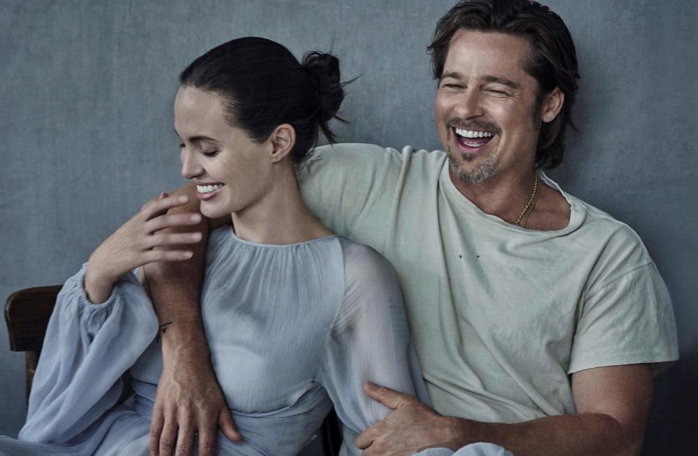 Vanity-Fair-Italia-November-2015-Angelina-Jolie-and-Brad-Pitt-by-Peter-Lindbergh-08.jpg