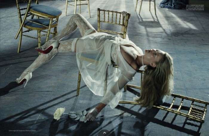 kate-moss-by-steven-klein-for-vogue-italia-december-2016- (2).jpg