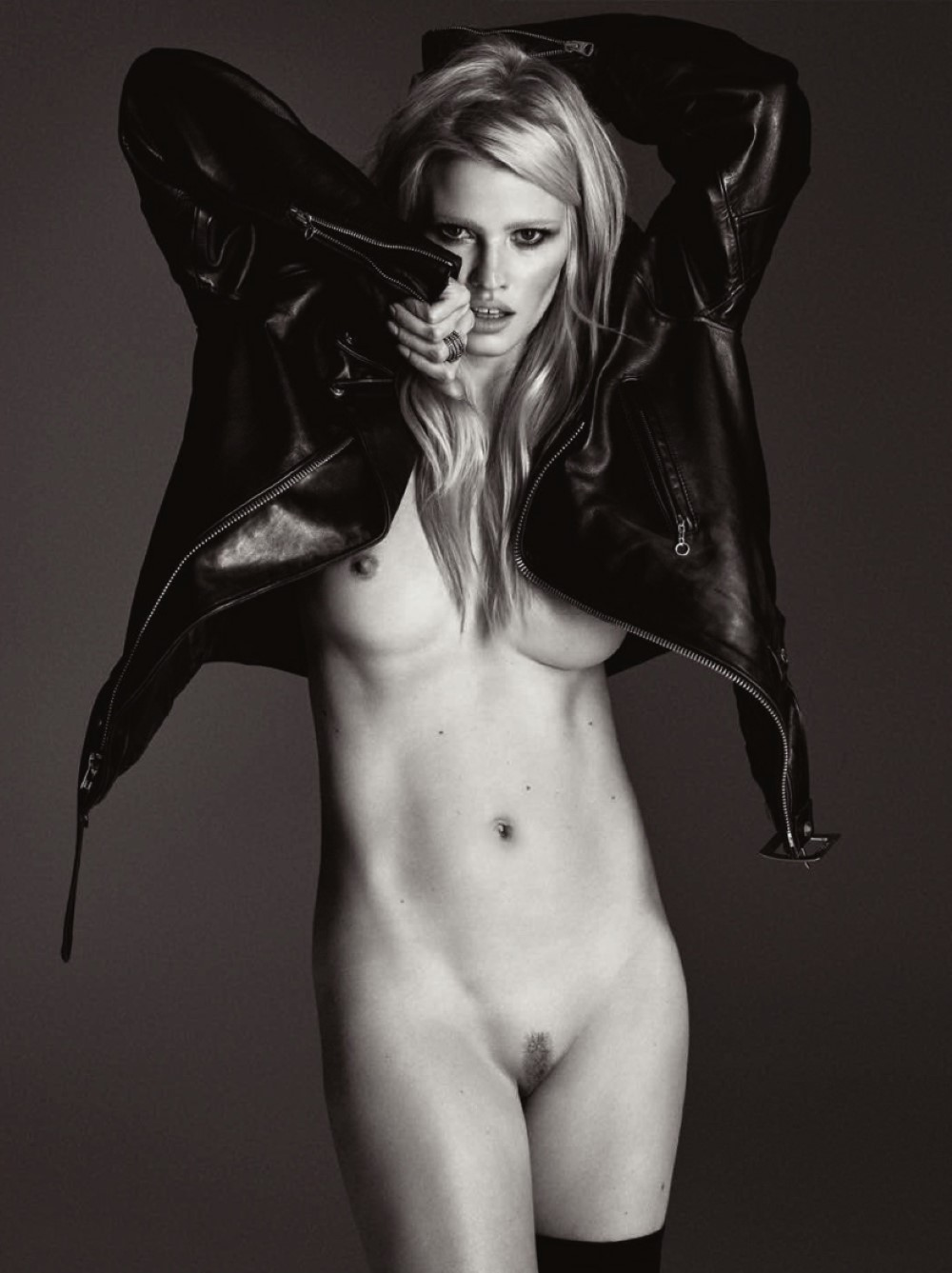LUI-December_2015-January_2016-30-Lara_Stone-by-Luigi_and_Iango.jpg