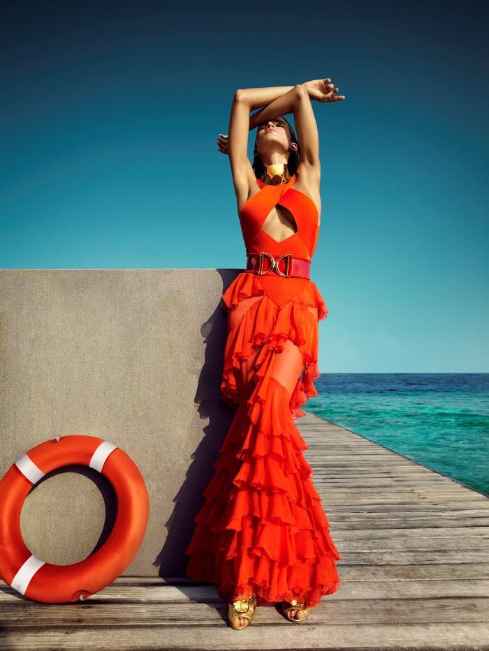 Vogue_India-March_2016-Raica_Oliveira-by-Luis_Monteiro-03.jpg
