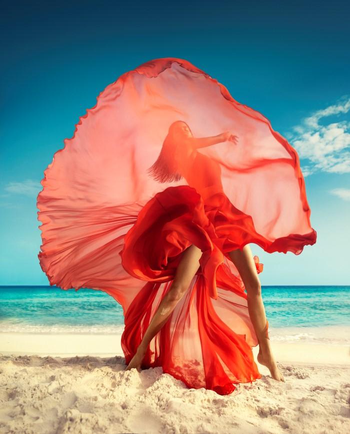 Vogue_India-March_2016-Raica_Oliveira-by-Luis_Monteiro-07.jpg